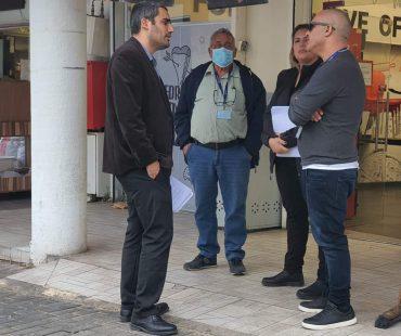 """סגן ומ""""מ ראש העיר משה שטרית במפגש עם סוחרים (צילום: באדיבות משה שטרית)"""