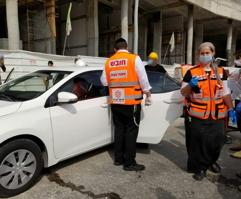 זירת התאונה של הפועל שנפגע באתר בנייה (צילום: דוברות איחוד והצלה בית שמש)