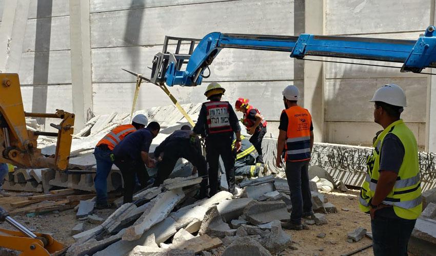 זירת התאונה בצרעה (צילום: כבאות והצלה בית שמש)