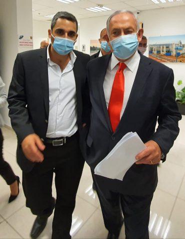 ראש הממשלה בנימין נתניהו ומשה שטרית (צילום: לשכת משה שטרית)