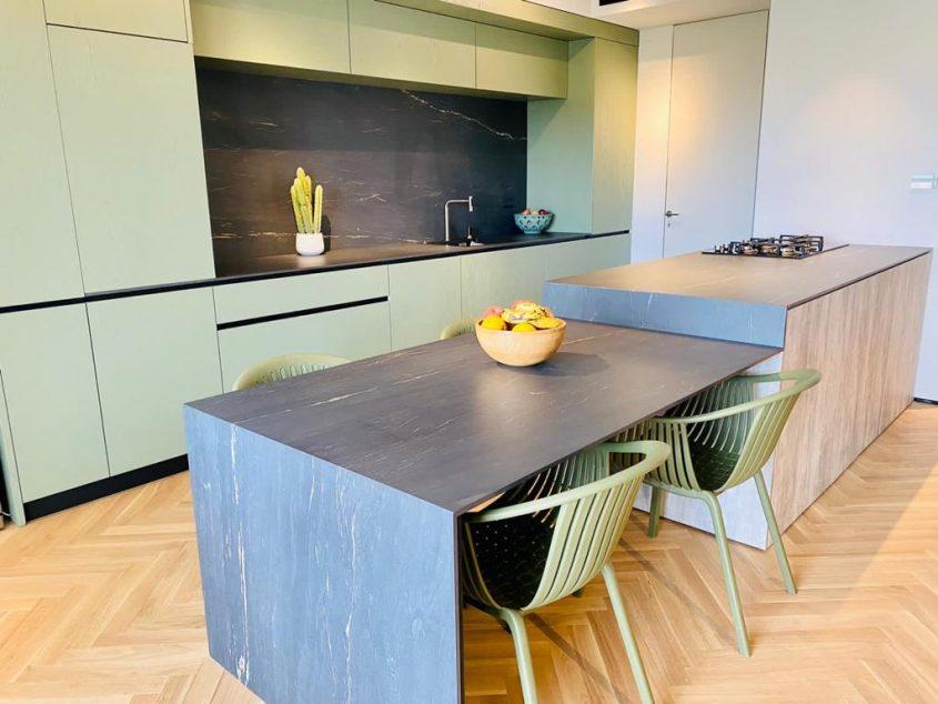 שיש אורי ORI STONE. מטבח בעיצוב אישי עבור רוני דואני(צילום: חגי ביטון)