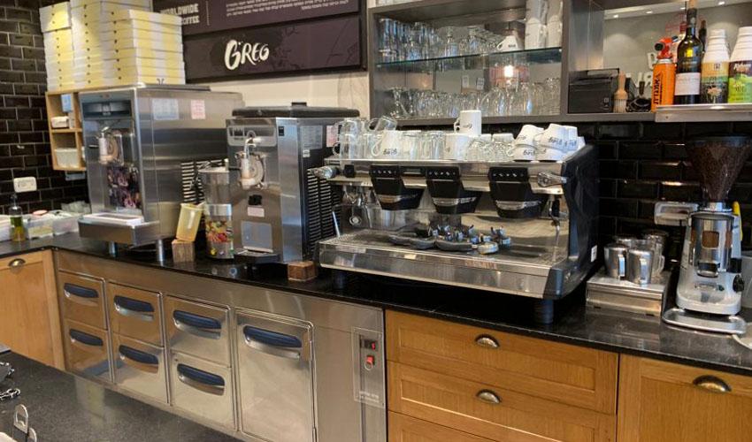 סניף 'קפה גרג' ביג פאשן בית שמש (צילום: אלבום פרטי)